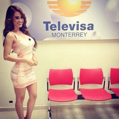 yanet-garcia-pink-peach-white-orange-dress.jpg