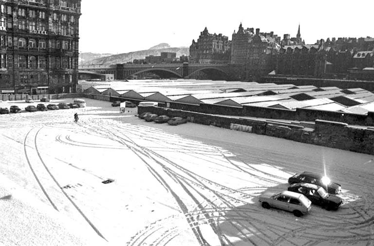 0_around_edinburgh_-_waverley_market_roof_demolition_1979_000-000-545-106-c_768.jpg