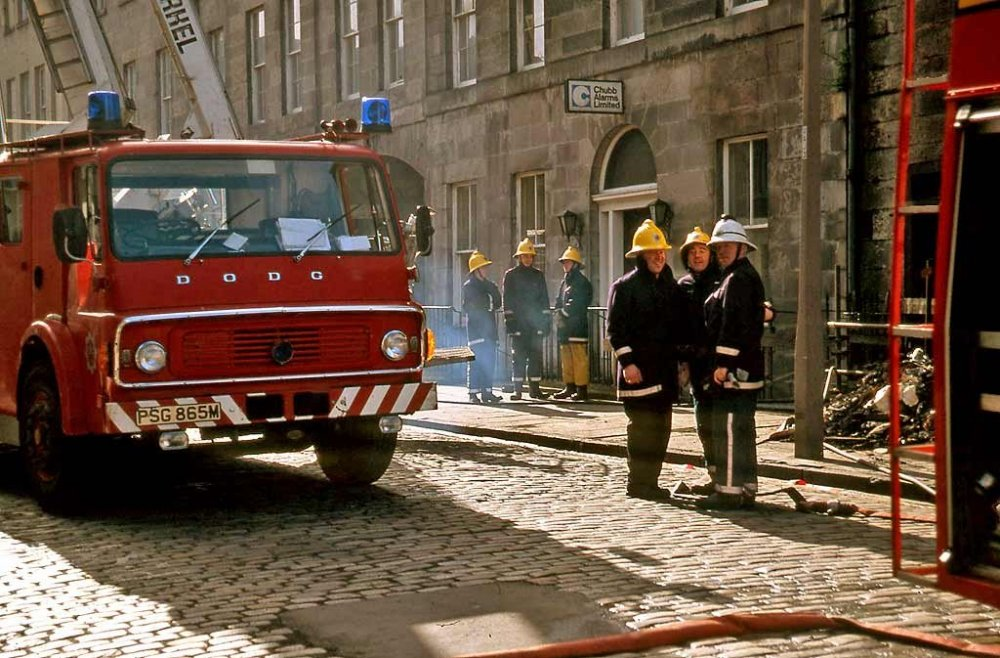 0_my_photographs_edinburgh_at_work_-_fire_brigade_rj26_union_street_edw059_1024.jpg