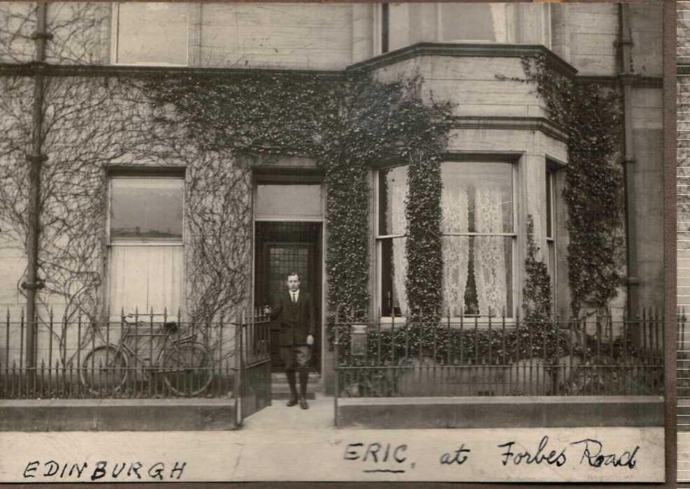 17-1921-Eric-Liddell-at-Forbes-Road-Edinburgh.jpg.7ae00dce7f77d1ca39367fb9ead5f7e9.jpg