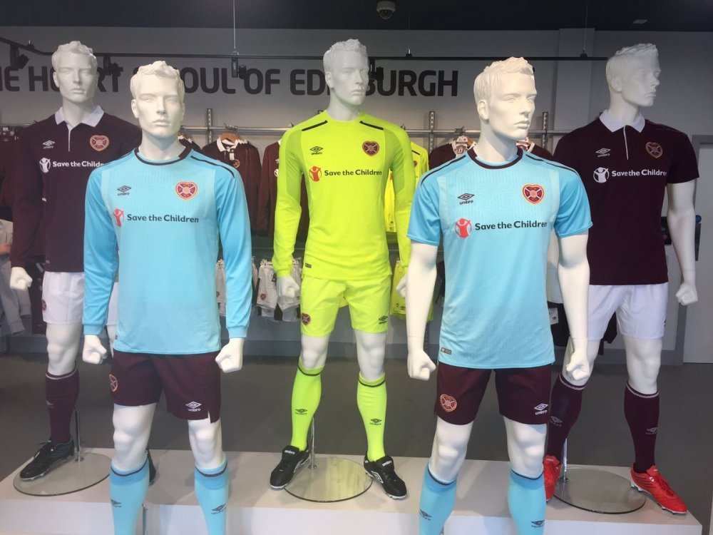 heart_of_midlothian_17_18_umbro_home_kit_h.thumb.jpg.add1ebfa6f61e249417bda6e53cdf301.jpg