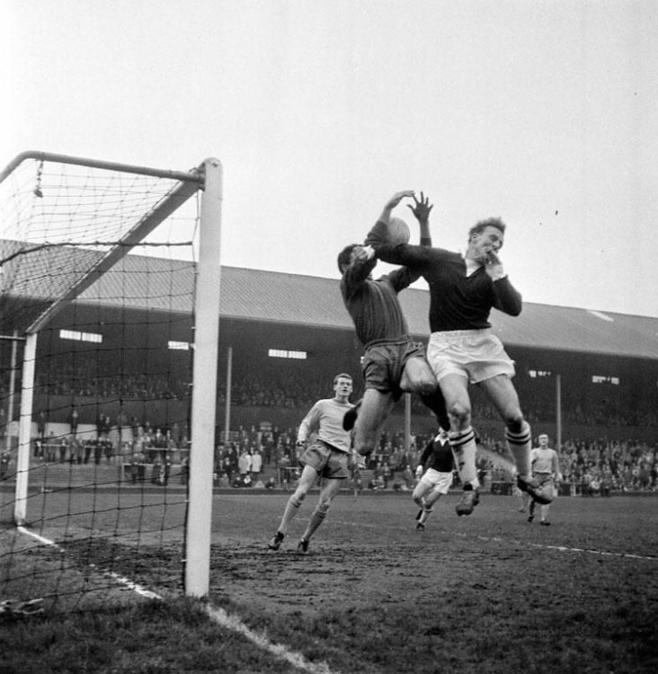 Hearts v Chelsea 1964.jpg