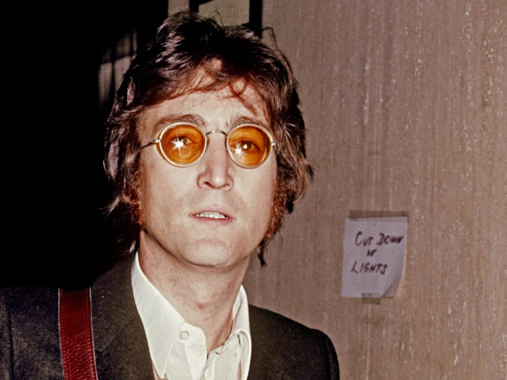 john-lennon-poses-for-a-photo-circa-1973-in-new-york-city-new-york-photo-by-vinnie-zuffante_michael-ochs-archives_getty-images.thumb.jpg.4c58b8da1fef24516e64eee35ae38ffa.jpg
